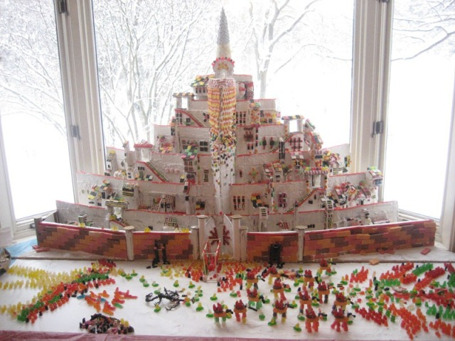 minas-tirith-gingerbread-house